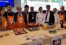 Torrente presenta su candidatura en FITUR y elabora en directo la Cassola de Sant Blai